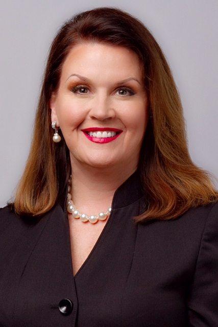 Carol Ashby Headshot